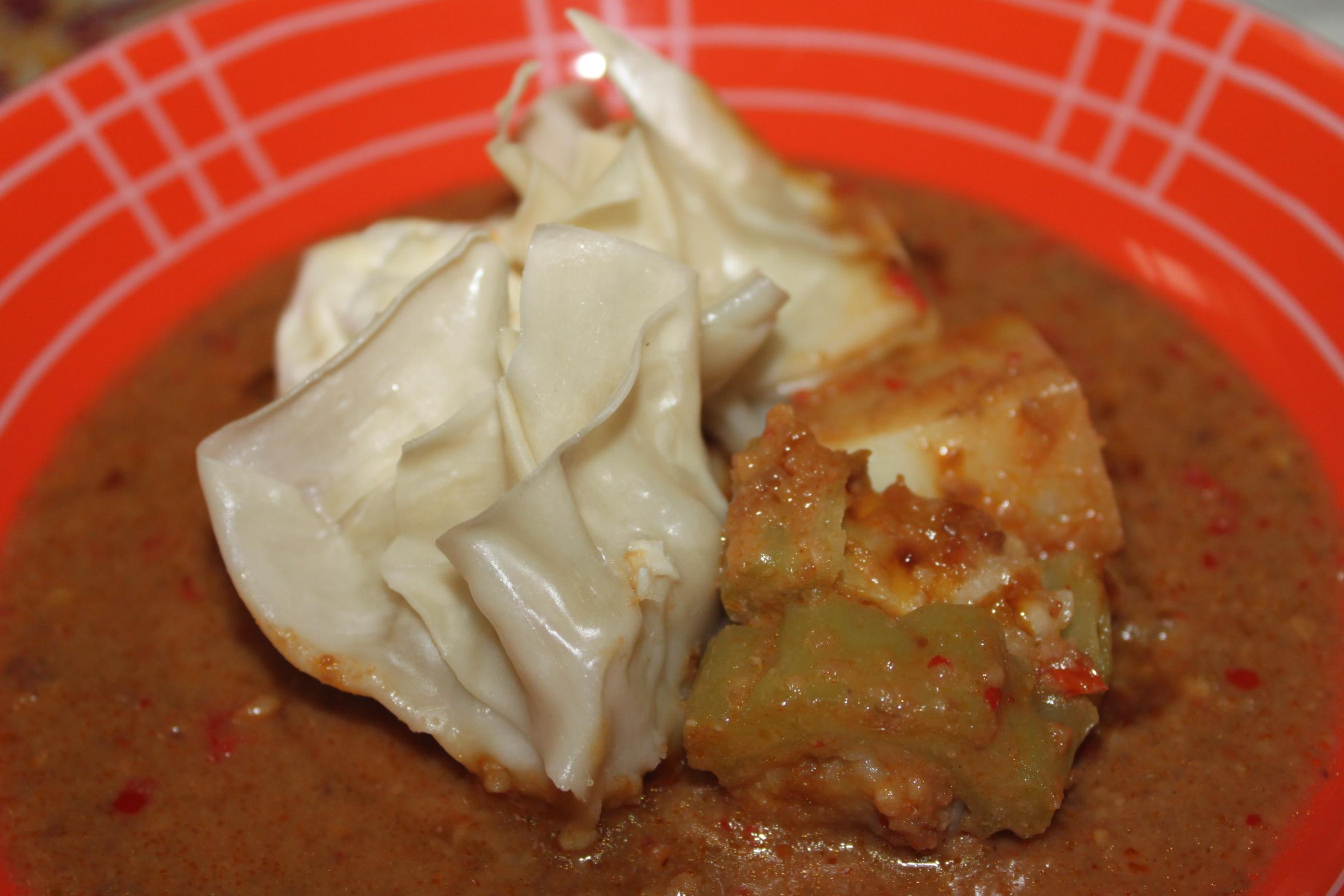 Siomay Ayam dan Udang – Siluet Jingga